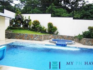 5 bedroom villa in Tali Beach - H6 - Nasugbu vacation rentals
