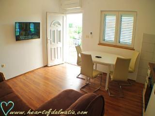 apartmans Marusin  Murter 2 - Murter vacation rentals