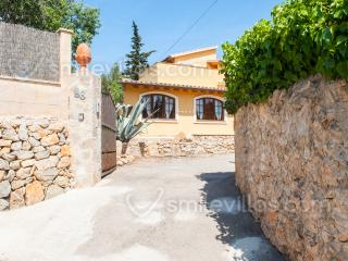 Beautiful finca in a quiet area with garden & pool - Andratx vacation rentals