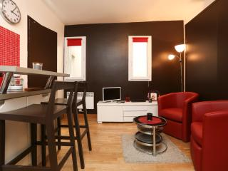 Sweet, hypercentral studio - Marais P3 - Paris vacation rentals