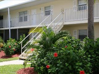 Venice Island Condo Walking Distance to Gulf Beach - Venice vacation rentals