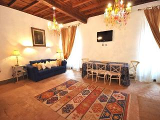 NOSTROMONDO APARTMENT- Forum HOUSE - Roman Forum - Rome vacation rentals