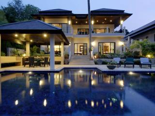 EMERALD: 7 Bedroom, Private Pool Villa, near Beach - Nai Harn vacation rentals