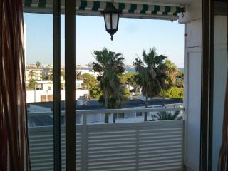 Great budget apartment near Beach & Port Aventura - Cambrils vacation rentals
