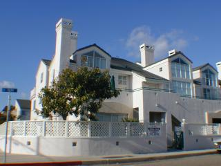 Upper Level Downtown Pismo Beach Condo - Pismo Beach vacation rentals