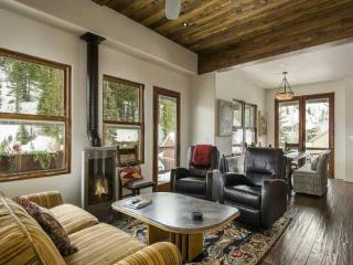 4 bedroom Old Town Home - World vacation rentals