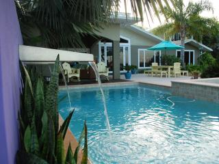 PRIVATE Waterfront Home*POOL*3+ bedrooms* 3+ baths - New Smyrna Beach vacation rentals