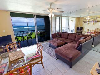 1BR Oceanfront Condo; Pool; Walk to Harbor & Shops - Wailuku vacation rentals