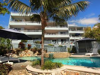 Unit 9, Coolum Blueseas Apartments, Coolum Beach, $200 BOND - Coolum Beach vacation rentals
