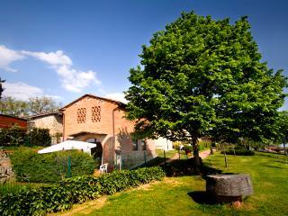 RESIDENCE SAN MINIATO - Independent apartment - Loro Ciuffenna vacation rentals