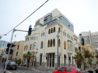 Beautiful Renovated 2bd Apt With Sea View - #7 - Tel Aviv vacation rentals