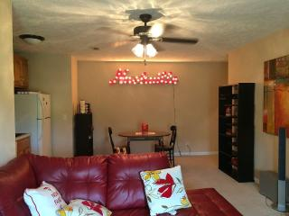 In-Law Apt. w/ Private Entrance, Kitchen, Bathroom - Nashville vacation rentals
