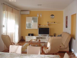Apartment in Okrug Gornji - Okrug Gornji vacation rentals