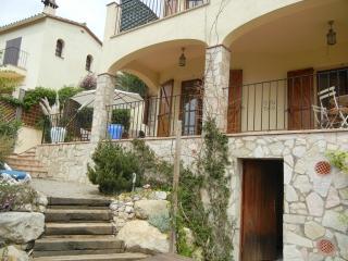 Casa Elide, 6 persons, near beach - Calonge vacation rentals