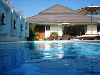 Beautiful Private pool Villa in the grounds of Loch Palm Golf Course HOL1391 - Kathu vacation rentals