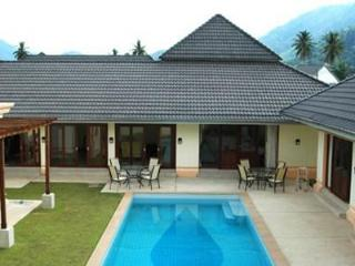 Glorious family home with a private pool, 4/5 bedrooms and large master bedroom. - Kathu vacation rentals