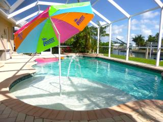 Waterfront Marco Pool Dock Lift Weekly * Families - Marco Island vacation rentals
