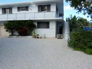 Awesome, Cozy, Large, Two Bedroom, On Canal Front - Key Largo vacation rentals