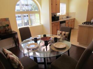 Walk to Rodeo Drive, up to 8 People! - Beverly Hills vacation rentals