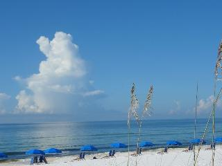 $ Ask $ FALL DISCOUNTS - Ocean Front - Free Chairs - Fort Walton Beach vacation rentals