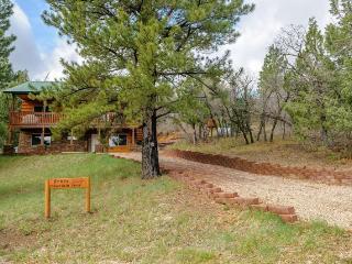 4 bedroom / 2 bathroom Family Cabin - Long Valley Junction vacation rentals