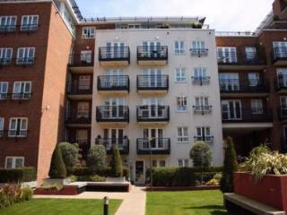 Modern London Apartment in Kingston-upon-Thames - London vacation rentals