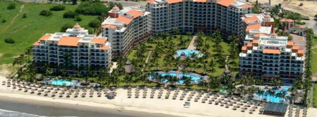 PLAYA ROYALE TOWER IV OCEAN VIEW - Image 1 - Puerto Vallarta - rentals