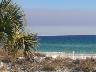 Bright Colorful Emerald Jewel FREE chairs and WIFI - Fort Walton Beach vacation rentals