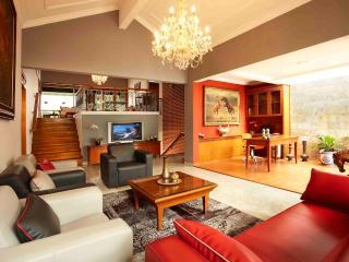 Puri 188 Guesthouse Syariah - Bandung vacation rentals