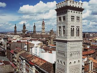 Modern apartment in city centre - Zaragoza vacation rentals