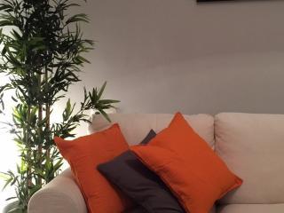 Elegant apartment in the city centre - Zaragoza vacation rentals