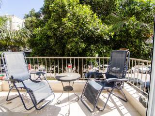 Jabotinsky - 2 Bed & Balcony - Tel Aviv vacation rentals