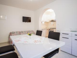 BEAUTIFUL, PEACEFUL,CLEAN PLACE - Malinska vacation rentals