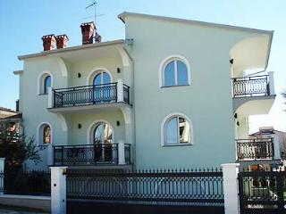 MUZIЖ(1107-2546) - Umag vacation rentals