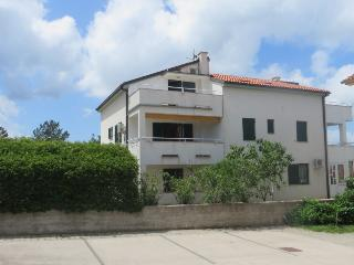 Apartment Krajaиeviж (2313-5833) - Klimno vacation rentals