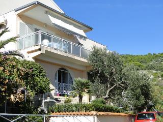 MILA(2382-5978) - Primosten vacation rentals
