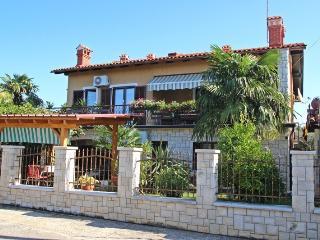 Hilmija Kamber(2401-6039) - Novigrad vacation rentals