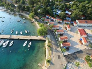 MOBILE HOMES UVALA SLANA(475-3117) - Selce vacation rentals