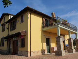 B&B ROSA DALFONSINA - Villalfonsina vacation rentals