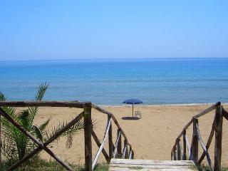 Capo Rizzuto casa mare beach Torre Vecchia - Isola di Capo Rizzuto vacation rentals