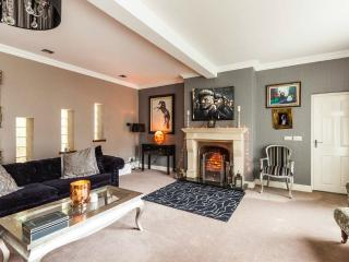 Lovely Cosy Home - Belfast vacation rentals