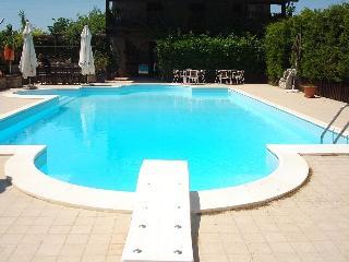 Villa con piscina - Trebisacce vacation rentals