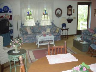 RI Beach Rental Available- Beautiful Beaches! - South Kingstown vacation rentals