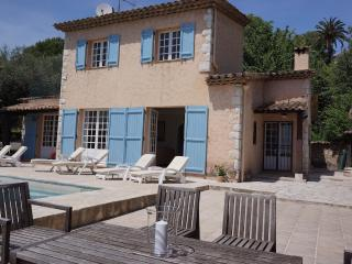 Charming provencal villa with magnificent views. - Chateauneuf de Grasse vacation rentals
