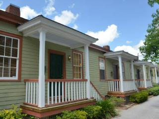 Whitcomb Cottage of Savannah's Historic District - Savannah vacation rentals