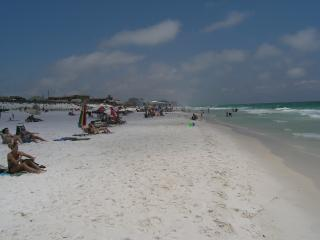 Beautiful townhome 1 block from Destin beaches - Destin vacation rentals