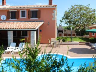 VILLA ANGELINA WITH SWIMMING POOL AND FITNESS - Vodnjan vacation rentals