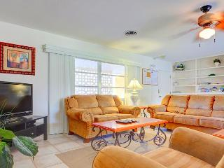 Venice Island Harbor Paradise Home, Sleep 14, Private Heated Pool, Wifi, HDTV - Venice vacation rentals