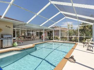 Venice Lakeside House - Heated Pool - Newly Furnished - HDTV, Wifi, Sleeps 8 - Venice vacation rentals