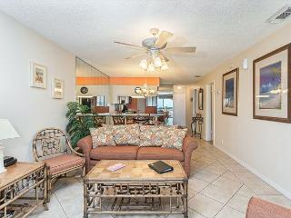 Hibiscus 303-B Beach Front, 3 pools, jacuzzi, grills, tennis, gym, wifi - Saint Augustine vacation rentals